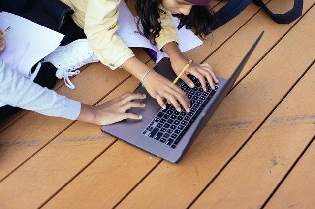 especialização--Informática-Aplicada-à-Educação