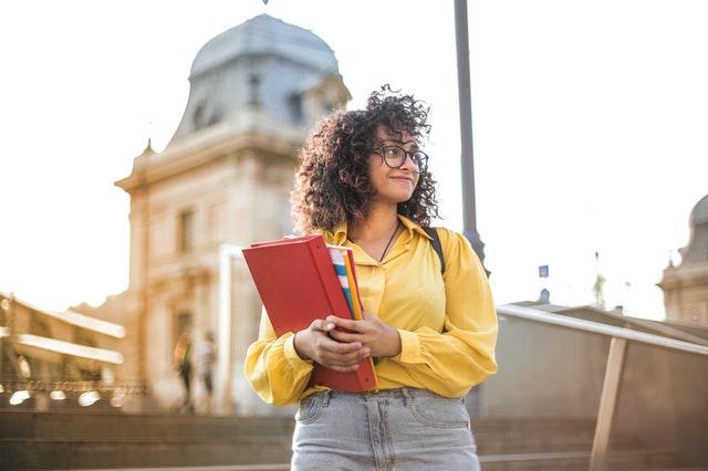especialização gratuita em Estudos e Prática de Cultura
